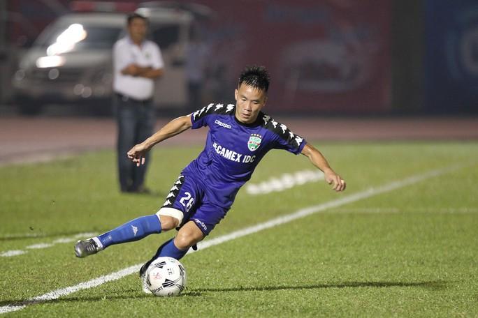 Bình Dương chia điểm Đà Nẵng trong trận cầu 4 bàn thắng - Ảnh 2.