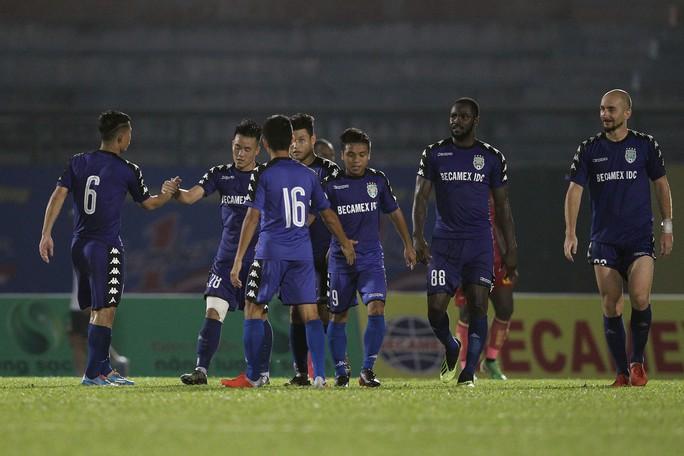 Bình Dương chia điểm Đà Nẵng trong trận cầu 4 bàn thắng - Ảnh 1.