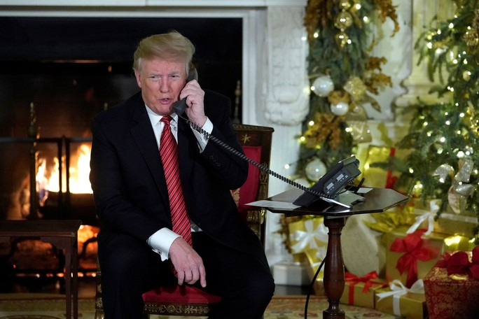 Ông Trump than cô quạnh trong Nhà Trắng - Ảnh 1.