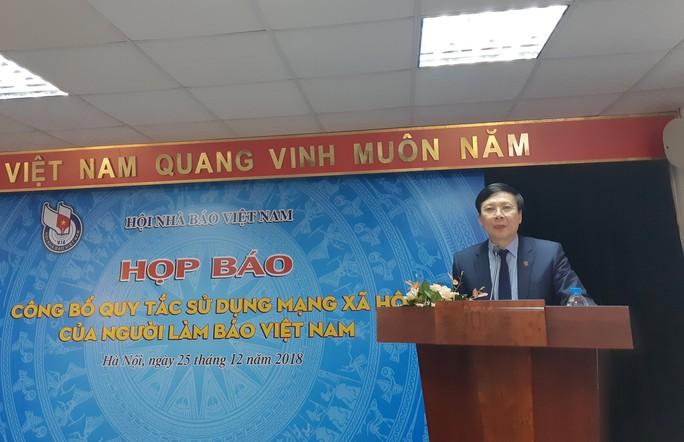 8 điều người làm báo Việt Nam không được làm khi tham gia mạng xã hội - Ảnh 1.