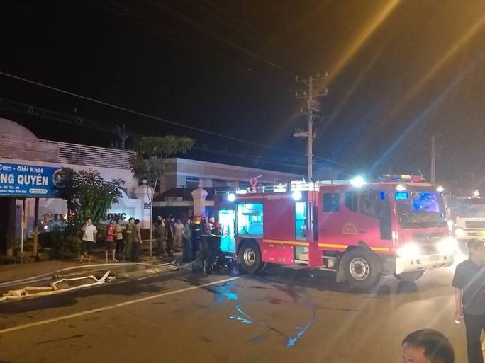 Clip: Cháy kinh hoàng tại khu công nghiệp ở Cần Thơ - Ảnh 24.