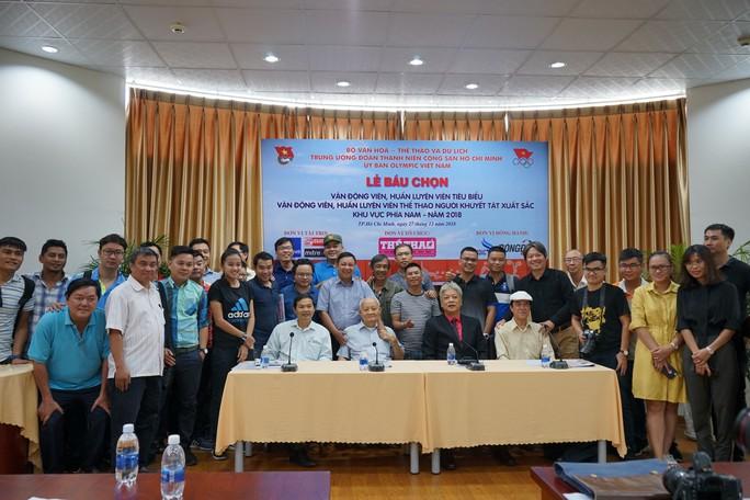 Quang Hải chiếm ưu thế tại cuộc bầu chọn VĐV – HLV xuất sắc 2018 - Ảnh 3.
