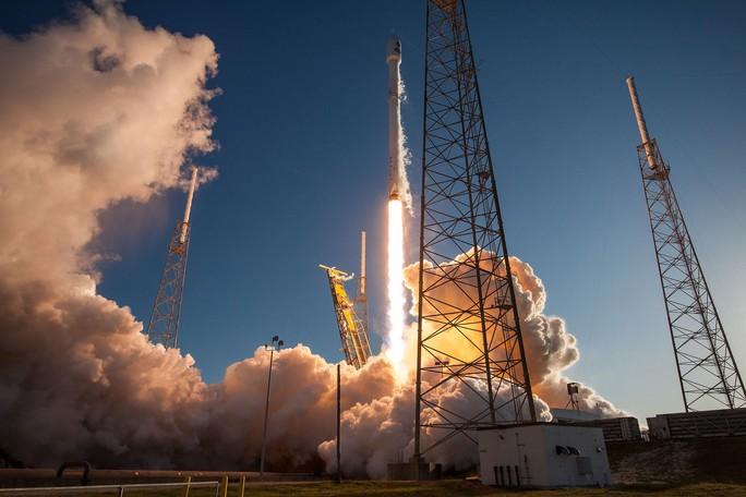 Cận cảnh cuộc khai phá không gian của 7 siêu tàu vũ trụ - Ảnh 3.