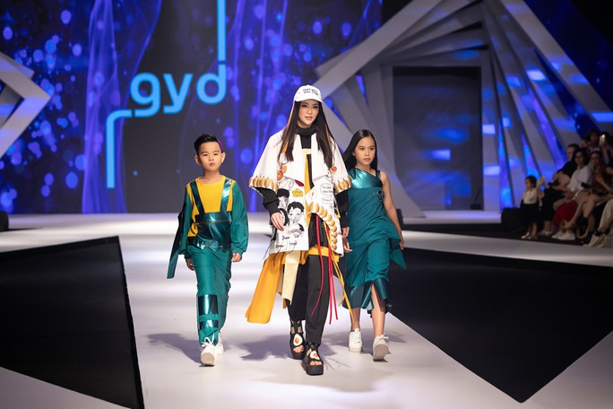 Hoa hậu Trái đất 2018 Phương Khánh lần đầu diễn thời trang - Ảnh 8.