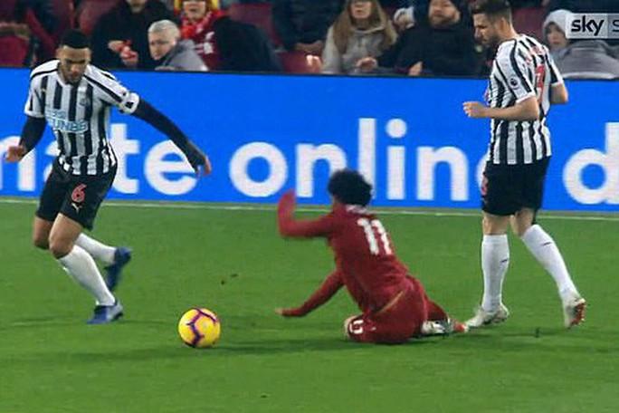 Rộ nghi án FA bảo kê cho Liverpool vô địch lượt đi  - Ảnh 5.