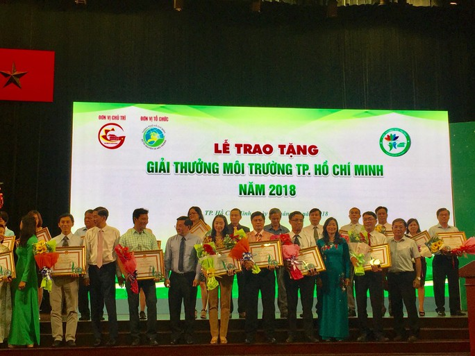 29 tập thể, cá nhân, cộng đồng nhận Giải thưởng Môi trường TP HCM - Ảnh 1.