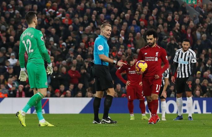 Rộ nghi án FA bảo kê cho Liverpool vô địch lượt đi  - Ảnh 6.