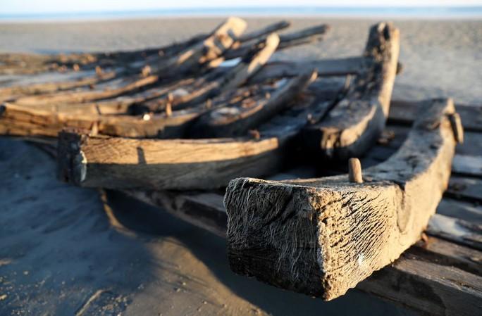 Tàu ma thế kỷ XIX bất ngờ lộ diện trên bờ biển - Ảnh 3.