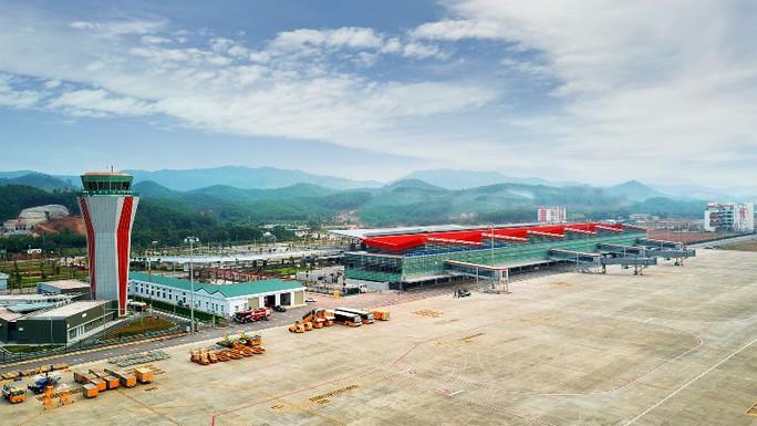 Soi nội thất sân bay Vân Đồn 7.700 tỉ đồng trước giờ đón khách TP HCM - Ảnh 4.