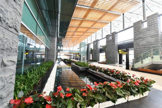 Soi nội thất sân bay Vân Đồn 7.700 tỉ đồng trước giờ đón khách TP HCM - Ảnh 18.