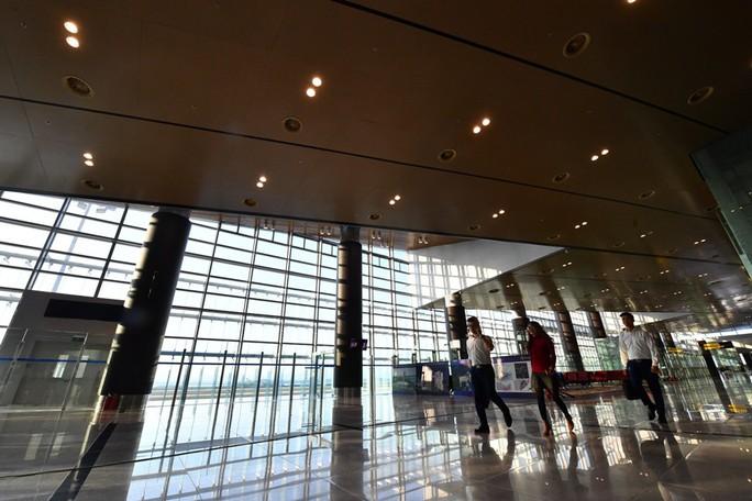 Soi nội thất sân bay Vân Đồn 7.700 tỉ đồng trước giờ đón khách TP HCM - Ảnh 20.