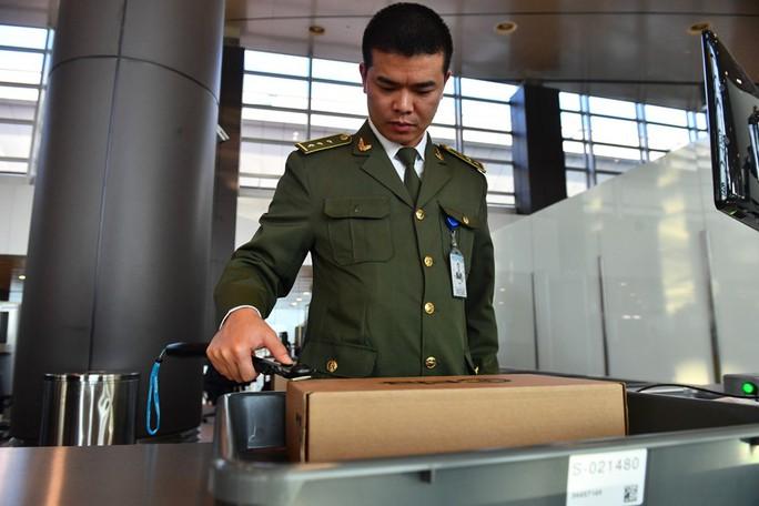 Soi nội thất sân bay Vân Đồn 7.700 tỉ đồng trước giờ đón khách TP HCM - Ảnh 10.