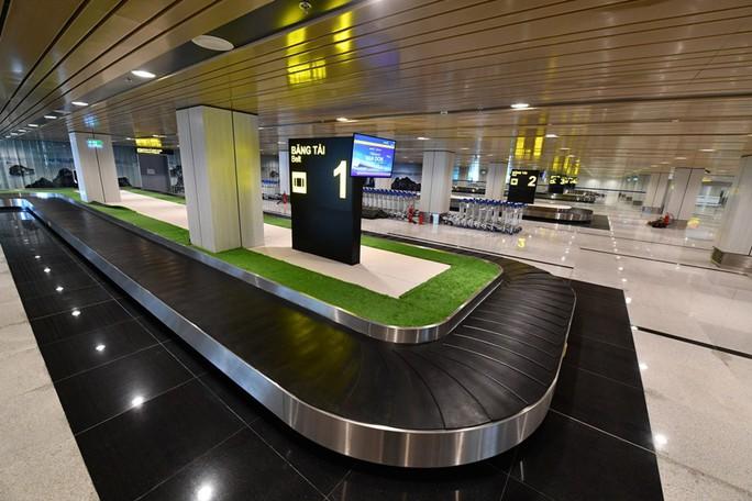 Soi nội thất sân bay Vân Đồn 7.700 tỉ đồng trước giờ đón khách TP HCM - Ảnh 14.