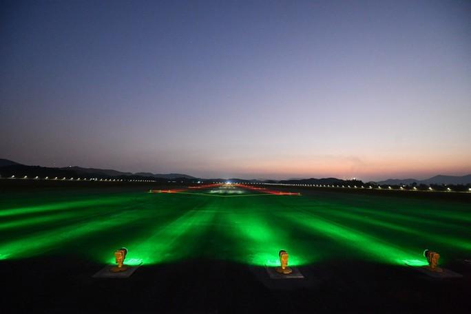 Soi nội thất sân bay Vân Đồn 7.700 tỉ đồng trước giờ đón khách TP HCM - Ảnh 22.