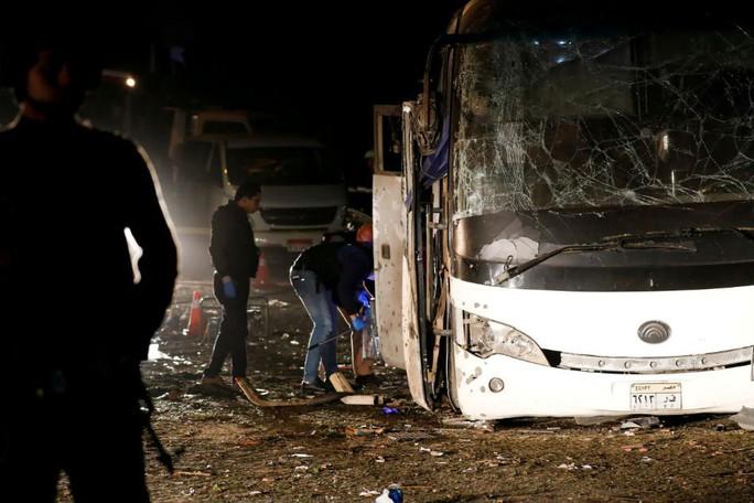 Ai Cập: Xe chở du khách Việt trúng bom khủng bố do đi sai đường? - Ảnh 4.