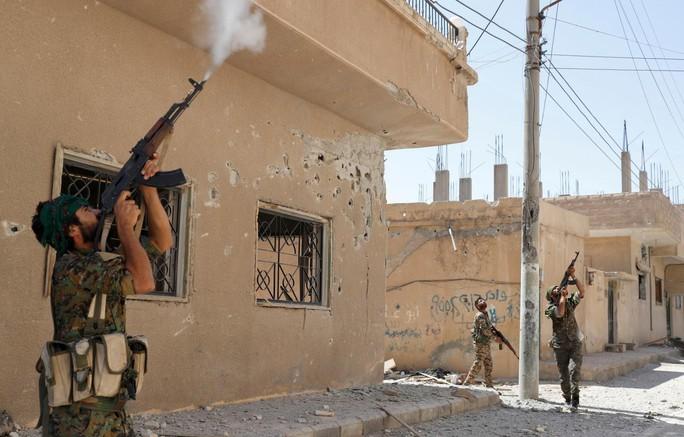 Mỹ rút quân khỏi Syria nhưng sẽ để lại vũ khí cho người Kurd? - Ảnh 1.