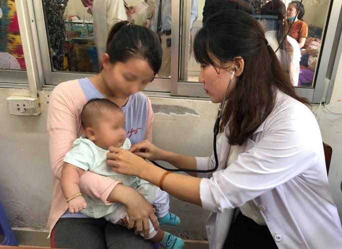 Bộ Y tế lên tiếng vụ 2 trẻ tử vong sau tiêm vắc-xin ComBE Five - Ảnh 1.