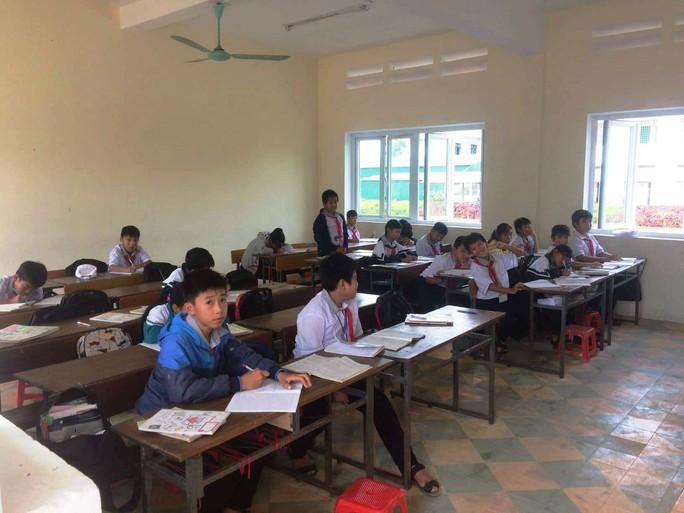 Vụ cô giáo chỉ đạo tát học sinh 231 cái: Nhà trường lấy lời khai học sinh - Ảnh 1.