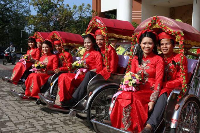 Đà Nẵng: Ấm áp lễ cưới tập thể cho đoàn viên - Ảnh 1.