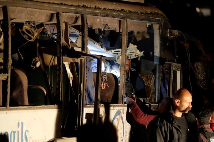 Ai Cập tiêu diệt 40 nghi phạm khủng bố sau vụ đánh bom xe du khách Việt - Ảnh 1.