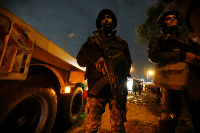 Ai Cập tiêu diệt 40 nghi phạm khủng bố sau vụ đánh bom xe du khách Việt - Ảnh 2.