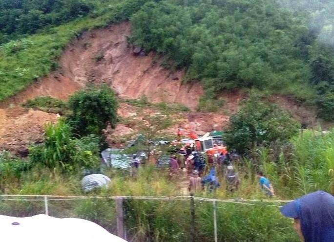 Khánh Hòa: Đã tìm thấy thi thể 3 người chết do sạt lở núi - Ảnh 1.