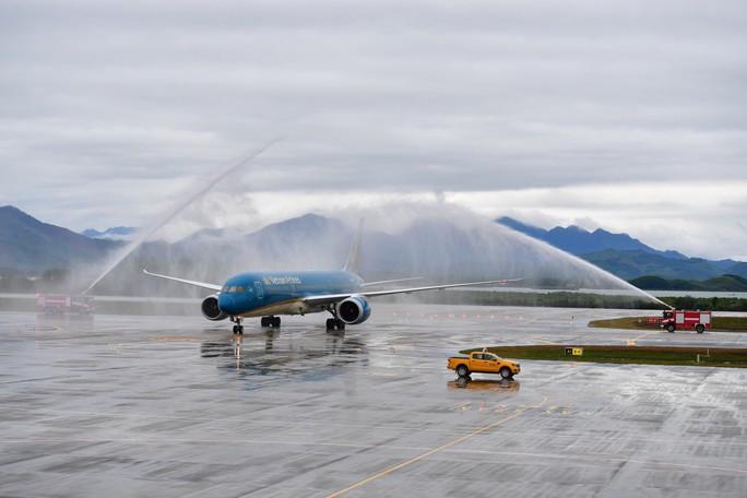 Khai trương sân bay quốc tế Vân Đồn, đón siêu máy bay Boeing 787 từ TP HCM - Ảnh 3.