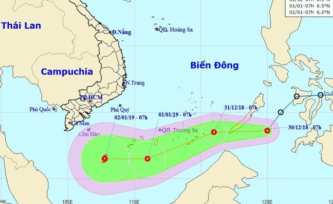 Sáng nay 30-12, áp thấp nhiệt đới lao nhanh vào Biển Đông - Ảnh 1.