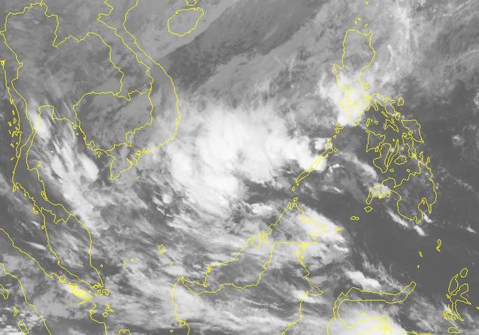 Sáng nay 30-12, áp thấp nhiệt đới lao nhanh vào Biển Đông - Ảnh 2.