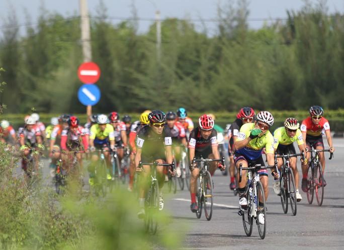 Sôi động cuộc đua xe đạp phong trào Về Cần Giờ - Ảnh 7.