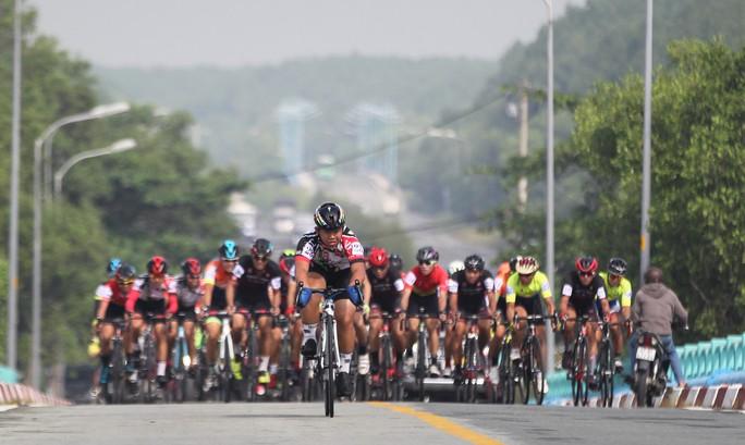 Sôi động cuộc đua xe đạp phong trào Về Cần Giờ - Ảnh 6.