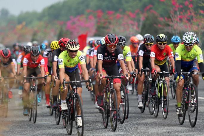 Sôi động cuộc đua xe đạp phong trào Về Cần Giờ - Ảnh 5.