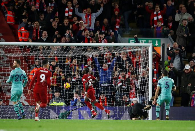 Liverpool vùi dập Arsenal đêm cuối năm ở Anfield - Ảnh 5.