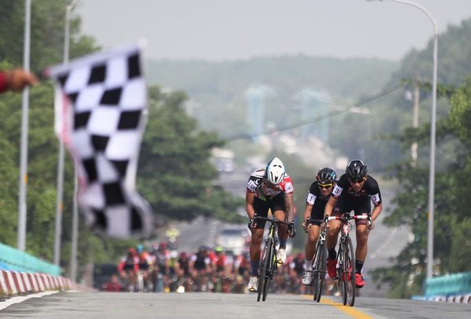 Sôi động cuộc đua xe đạp phong trào Về Cần Giờ - Ảnh 3.