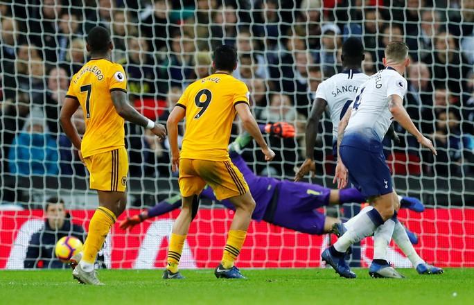 Liverpool vùi dập Arsenal đêm cuối năm ở Anfield - Ảnh 10.