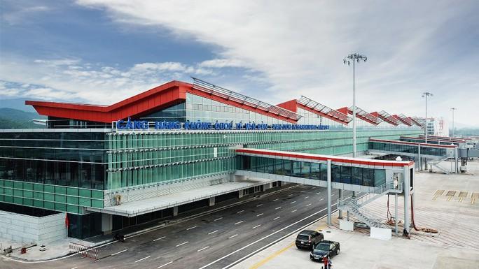 Soi nội thất sân bay Vân Đồn 7.700 tỉ đồng trước giờ đón khách TP HCM - Ảnh 3.