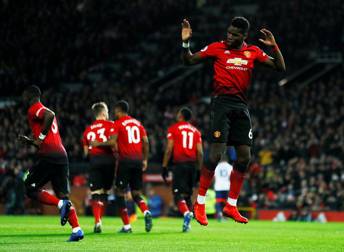 Paul Pogba nhảy múa ở Old Trafford, M.U bay cao với HLV Solskjaer - Ảnh 3.