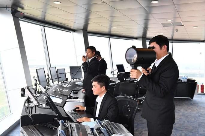 Soi nội thất sân bay Vân Đồn 7.700 tỉ đồng trước giờ đón khách TP HCM - Ảnh 6.