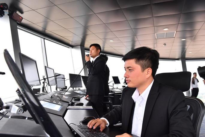 Soi nội thất sân bay Vân Đồn 7.700 tỉ đồng trước giờ đón khách TP HCM - Ảnh 7.
