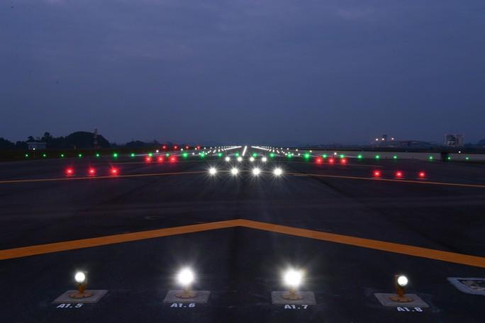 Soi nội thất sân bay Vân Đồn 7.700 tỉ đồng trước giờ đón khách TP HCM - Ảnh 23.