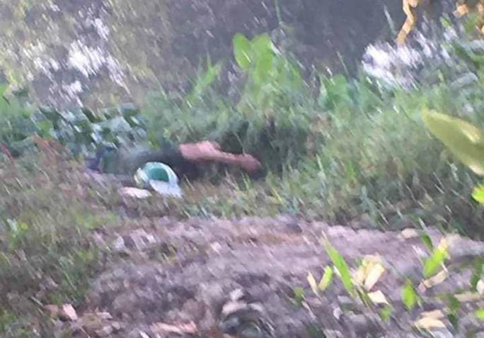 Thanh niên mặc đồ GrabBike tử vong với vết thương trên cổ - Ảnh 1.