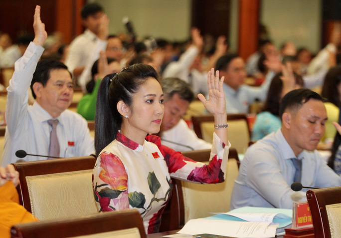 TP HCM: Sẽ lấy phiếu tín nhiệm chủ tịch, phó chủ tịch HĐND – UBND - Ảnh 3.