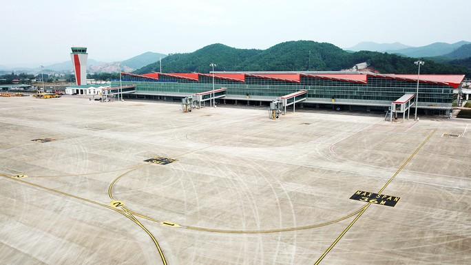 Sân bay Vân Đồn chính thức hoạt động từ ngày 30-12 - Ảnh 1.