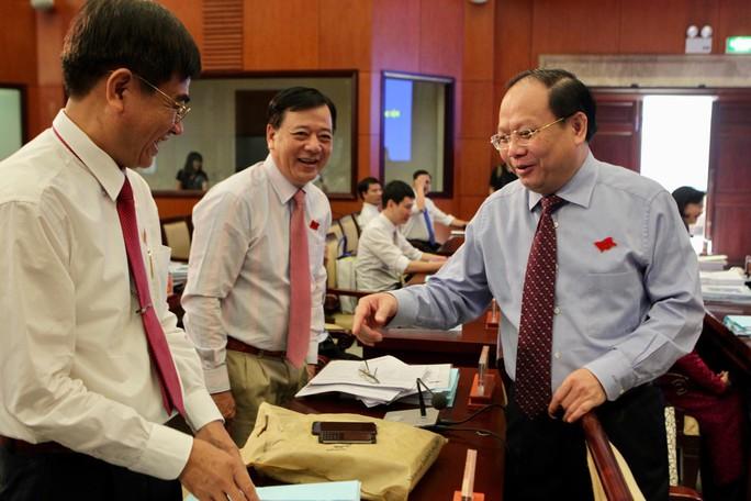 TP HCM: Sẽ lấy phiếu tín nhiệm chủ tịch, phó chủ tịch HĐND – UBND - Ảnh 4.