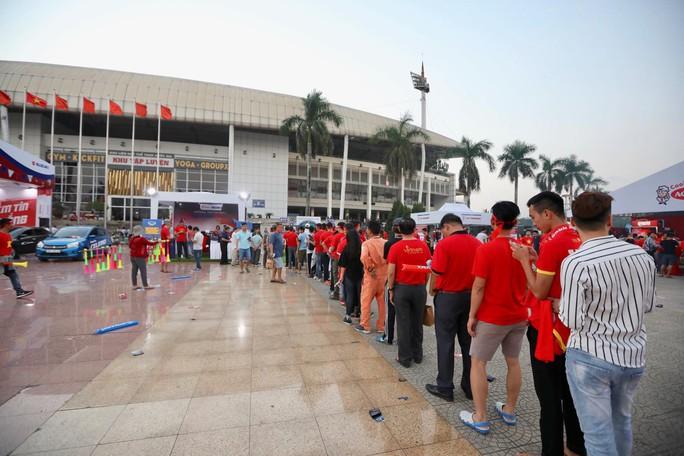 Clip: Thắng Philippines 4-2, Việt Nam vào chung kết AFF Cup 2018 - Ảnh 15.