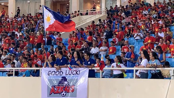 Clip: Thắng Philippines 4-2, Việt Nam vào chung kết AFF Cup 2018 - Ảnh 16.