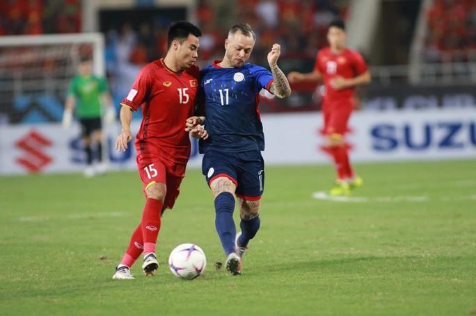 Clip: Thắng Philippines 4-2, Việt Nam vào chung kết AFF Cup 2018 - Ảnh 11.