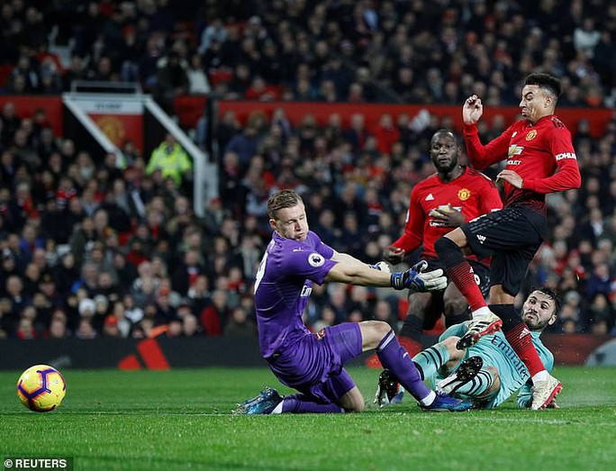 Công làm thủ phá, Man United giương cờ trắng ở Premier League - Ảnh 6.