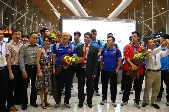 """Thủ tướng Malaysia """"tiếp lửa"""" cho đội nhà, HLV Park Hang-seo lạc quan - Ảnh 5."""
