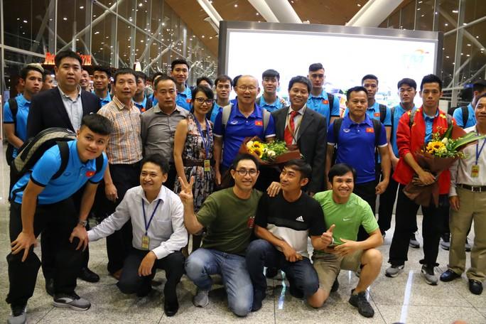 """Thủ tướng Malaysia """"tiếp lửa"""" cho đội nhà, HLV Park Hang-seo lạc quan - Ảnh 6."""